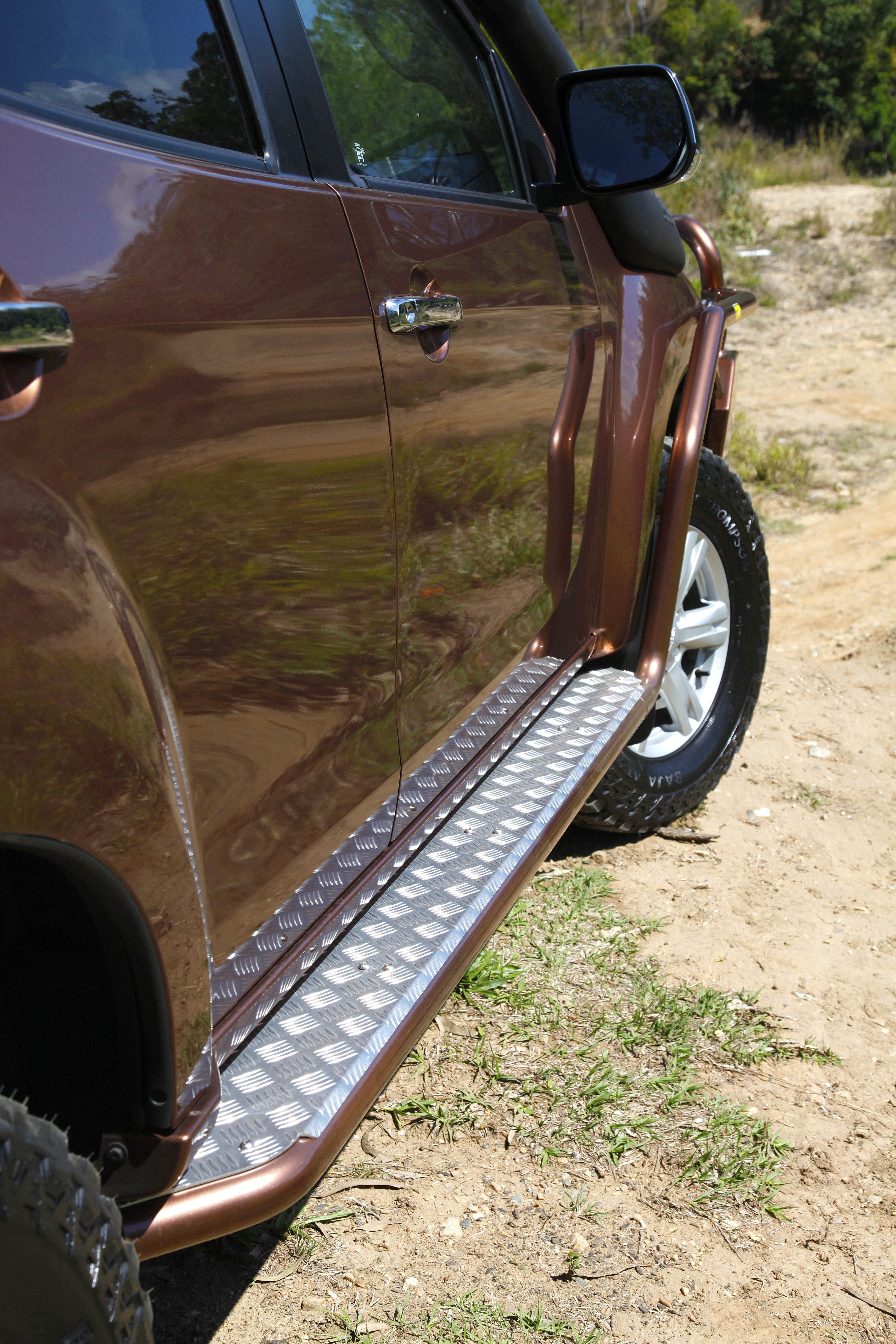 TJM Side Bar and Steps – Isuzu MUX