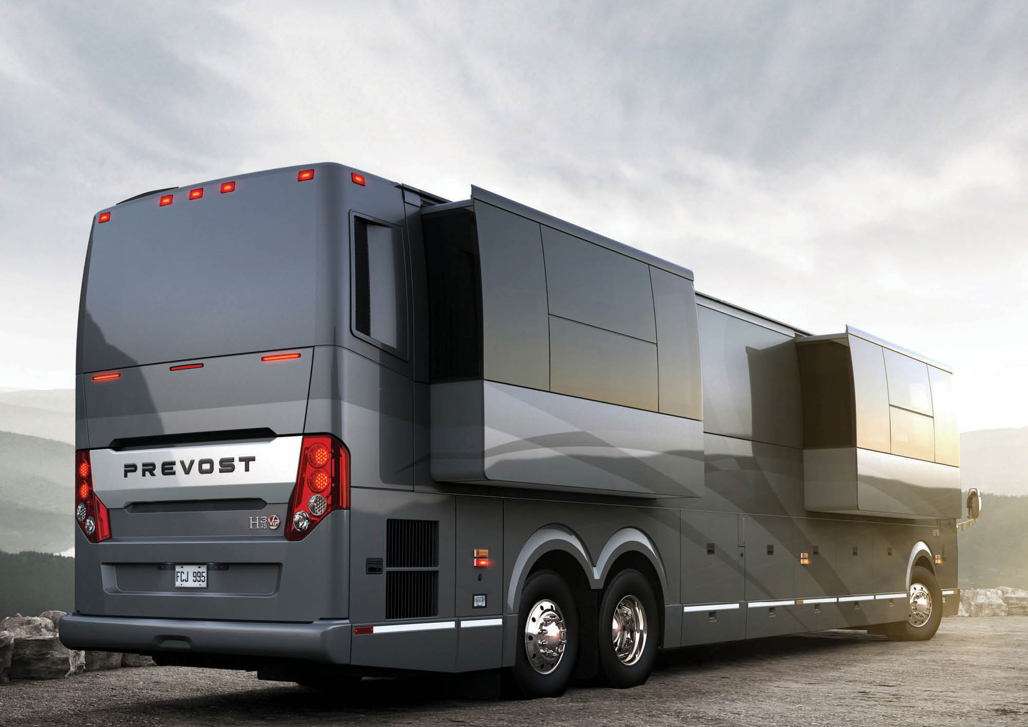 Take a Look at These Dream RVs