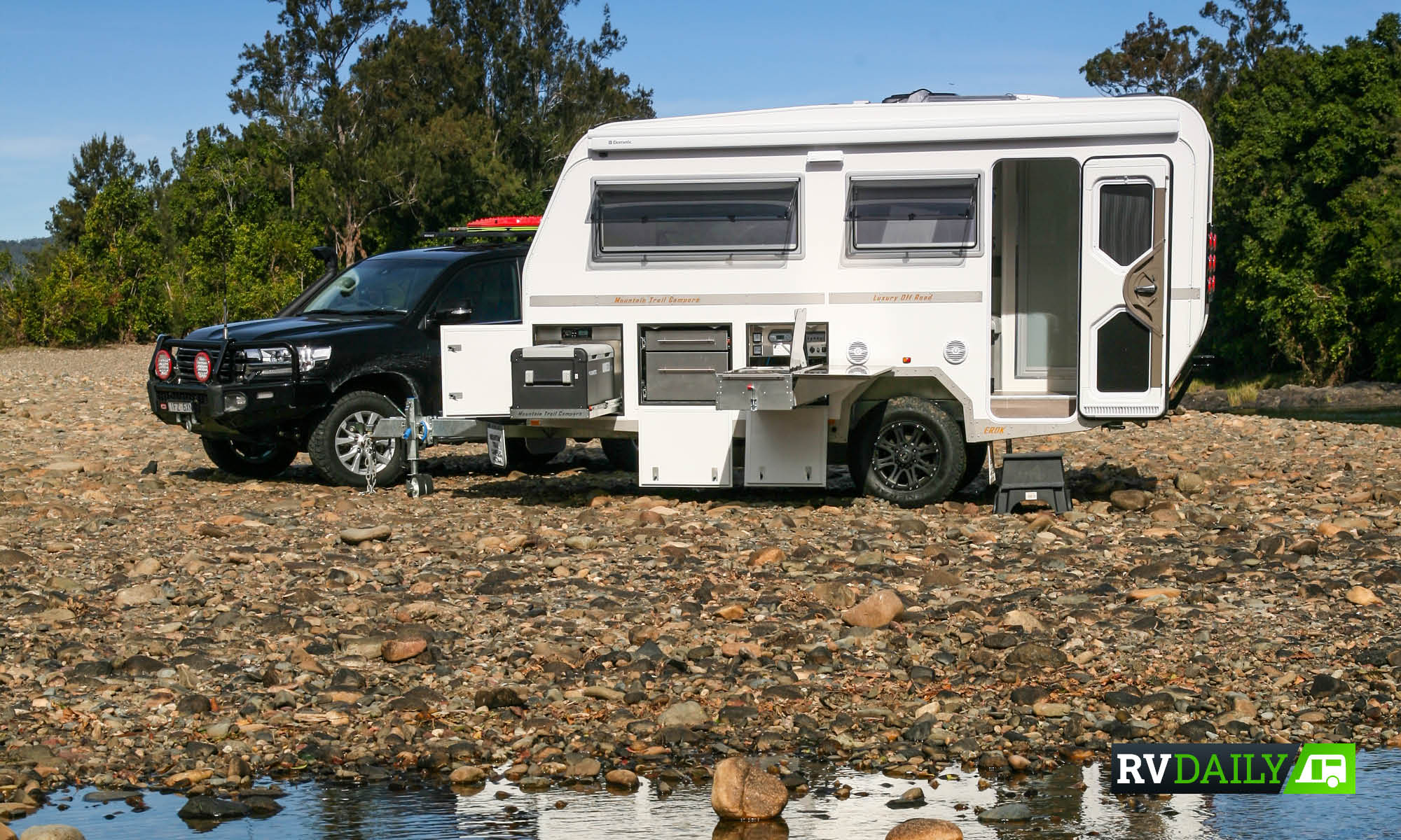 MOUNTAIN TRAIL HAS FUSED CARAVAN, CAMPER & LUXURY APARTMENT INTO ONE HYBRID HERO