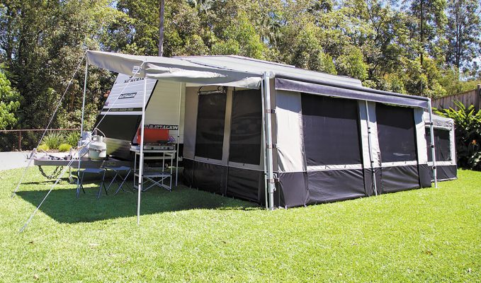 Xtend Outdoors Rollout Awning Porch