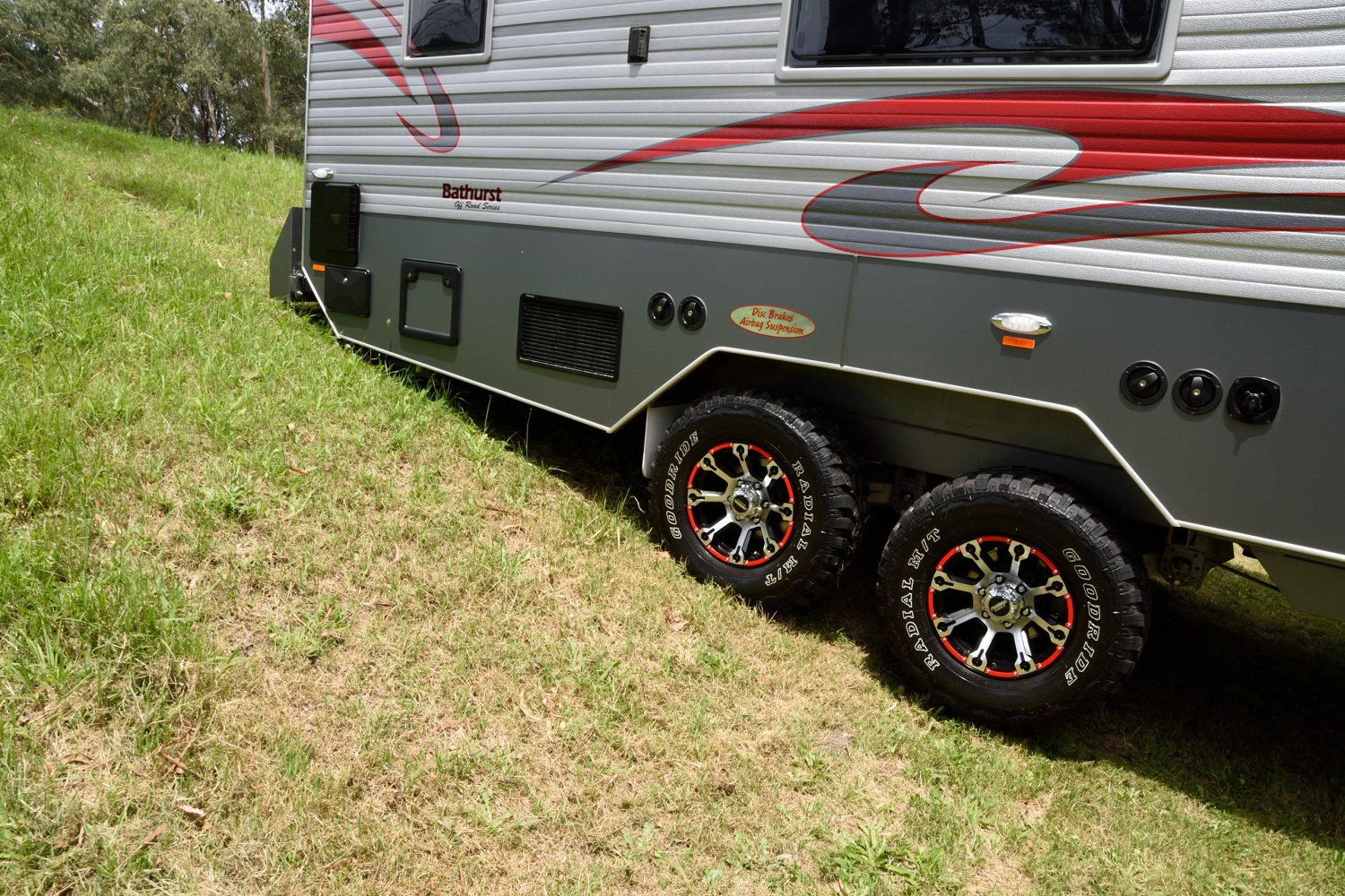 Off-road angles on Halen Vans Bathurst