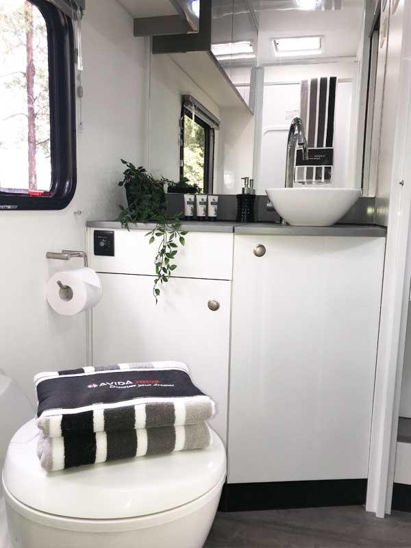 Avida Silverton C7134sl Bathroom