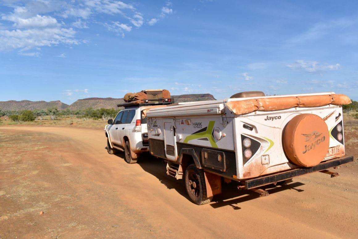 Towing a camper or caravan in off-road conditions