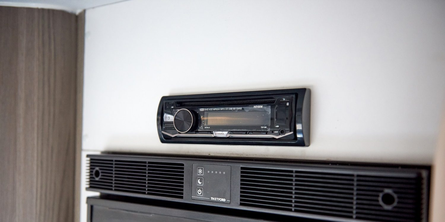 caravan stereo head unit for smartphone connection