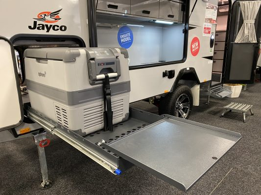 Jayco reveals 16-ft CrossTrak Hybrid with ensuite