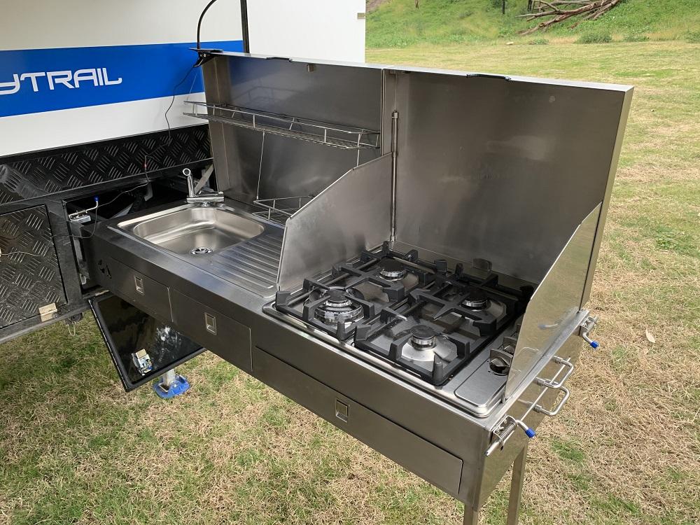 Ezytrail Parke 15 Mk2 kitchen