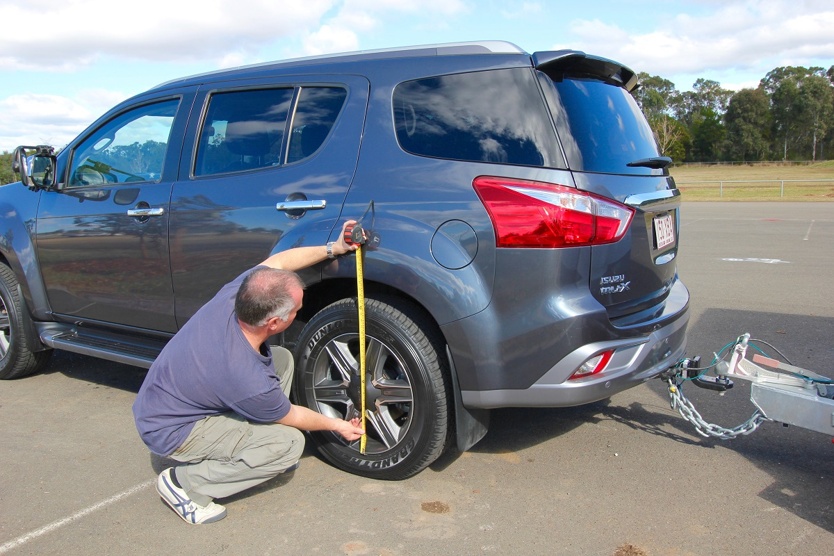 Measuring for weight distribution hitches