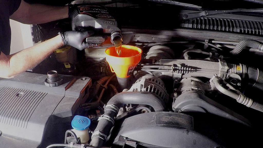 How to change the engine oil in your tow rig