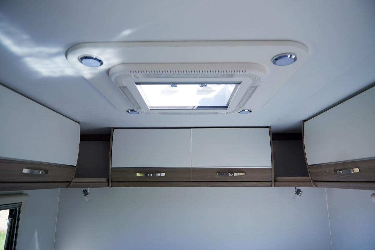 Winton 18 Overhead Storage