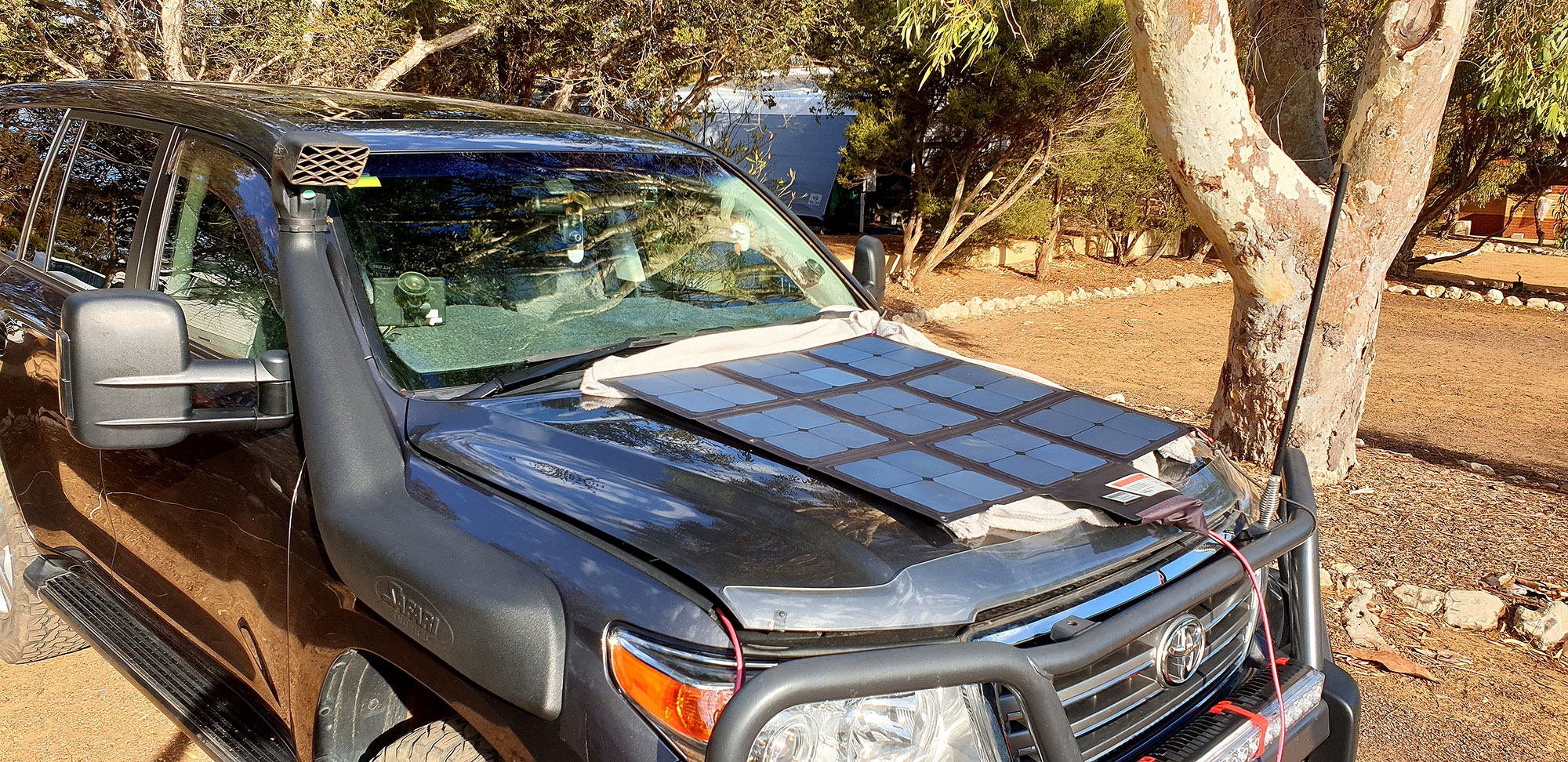 Solar panels on a 200 Series bonnet